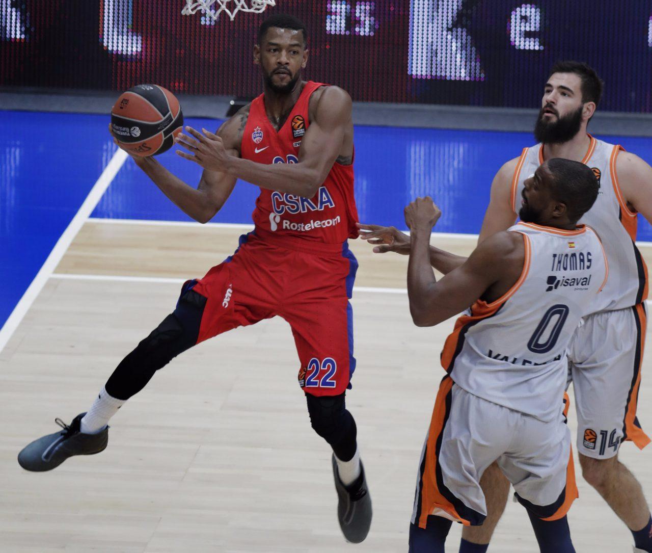 Московский баскетбольный клуб ЦСКА победил «Валенсию» и возглавил Евролигу