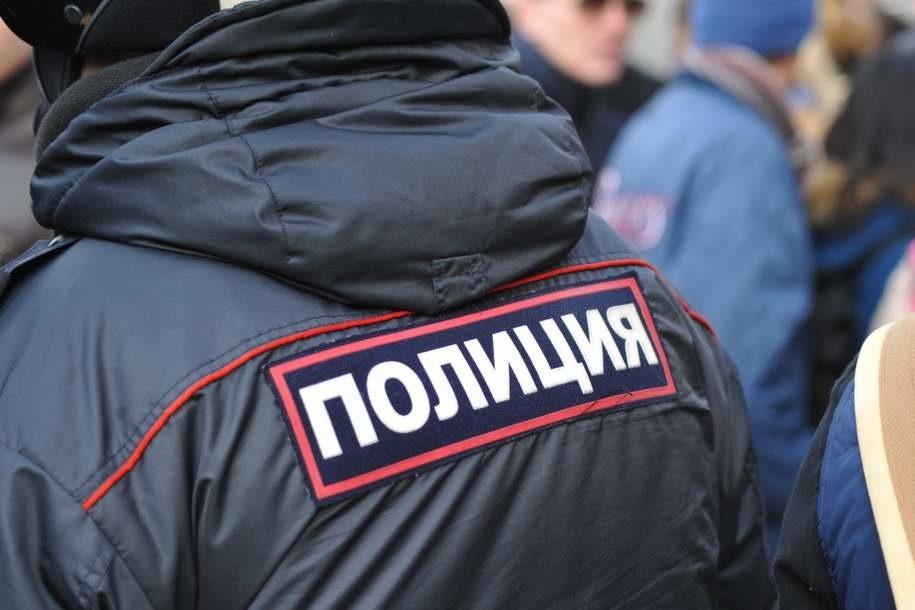 Приезжий из Чечни и ученик столичной спецшколы ограбили мужчину