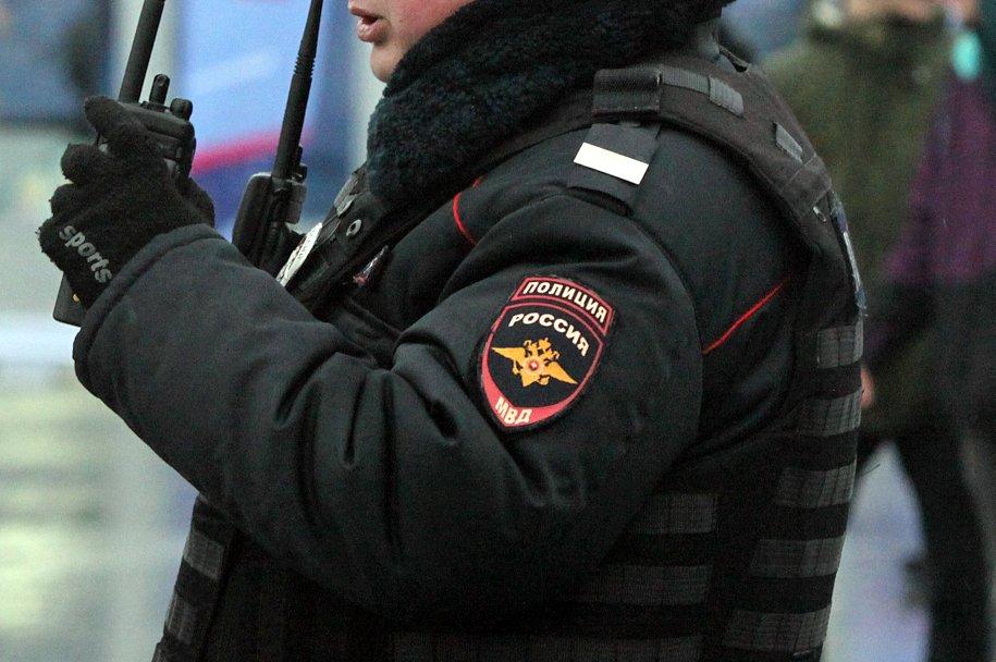 Неизвестный открыл стрельбу на Никольской улице