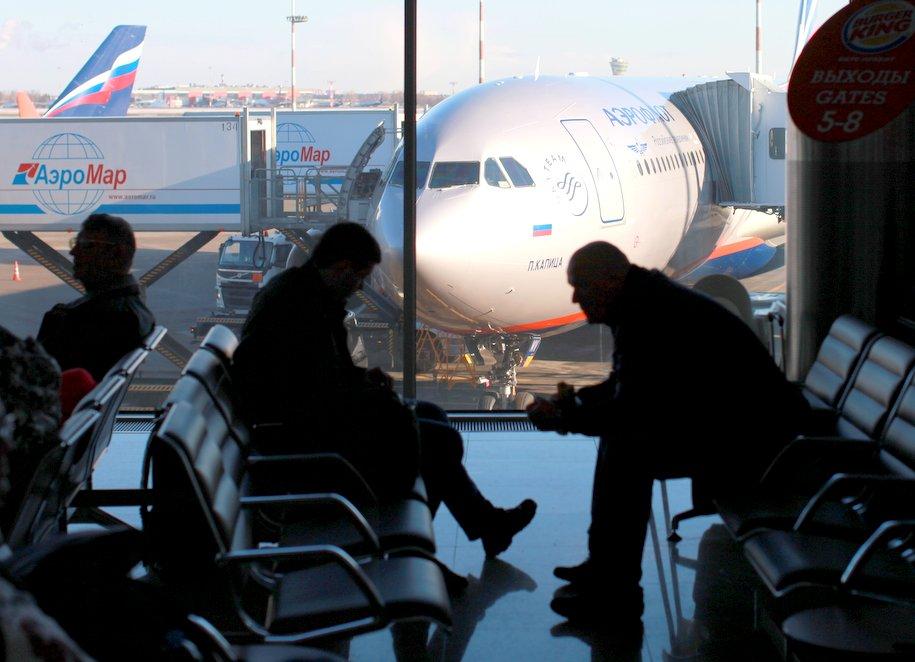Снегопад затруднил работу аэропортов