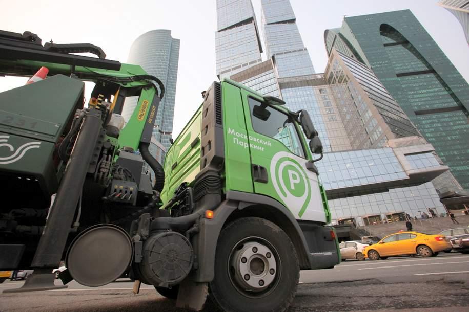Москва заработала на платной парковке более 15 млрд рублей