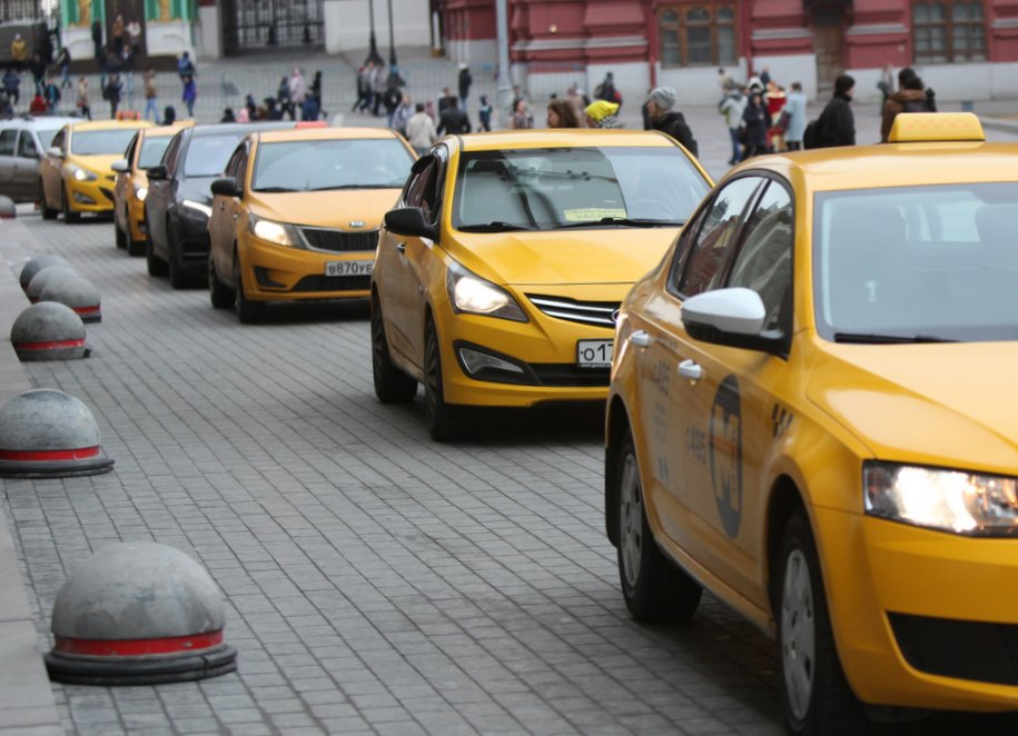 Не менее 90% такси в Москве работают легально