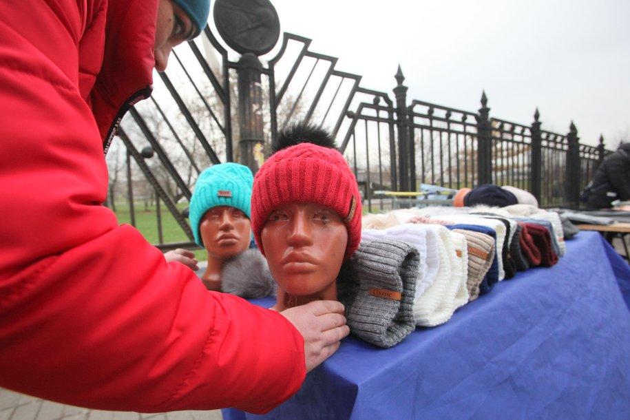 В столице провели рейды по борьбе с торговлей «с рук»