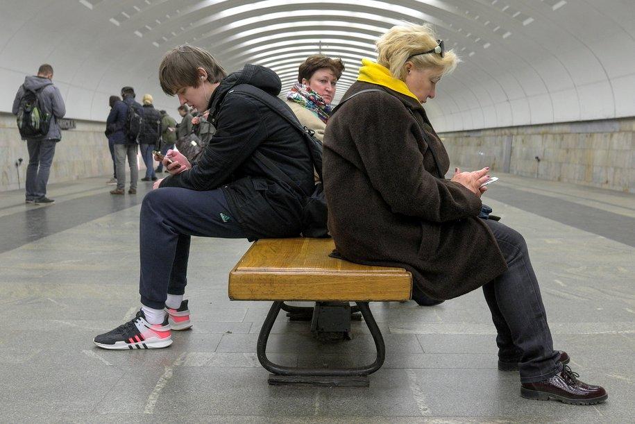Узакрытых станций метро в российской столице раздали практически 700 литров чая