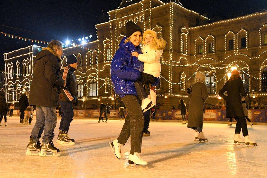 Мэр Москвы показал рождественский ГУМ-каток