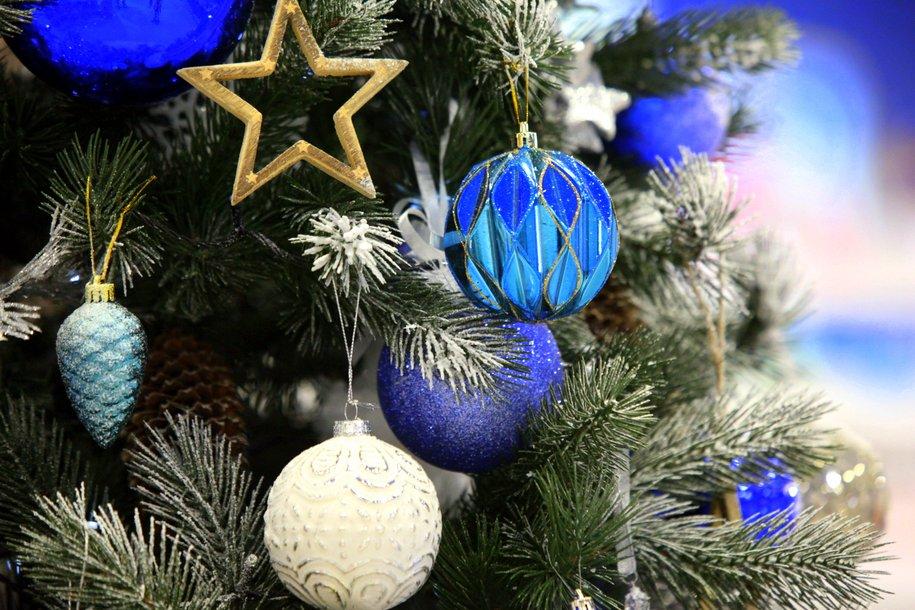 На 20 станциях МЦК установят новогодние ёлки