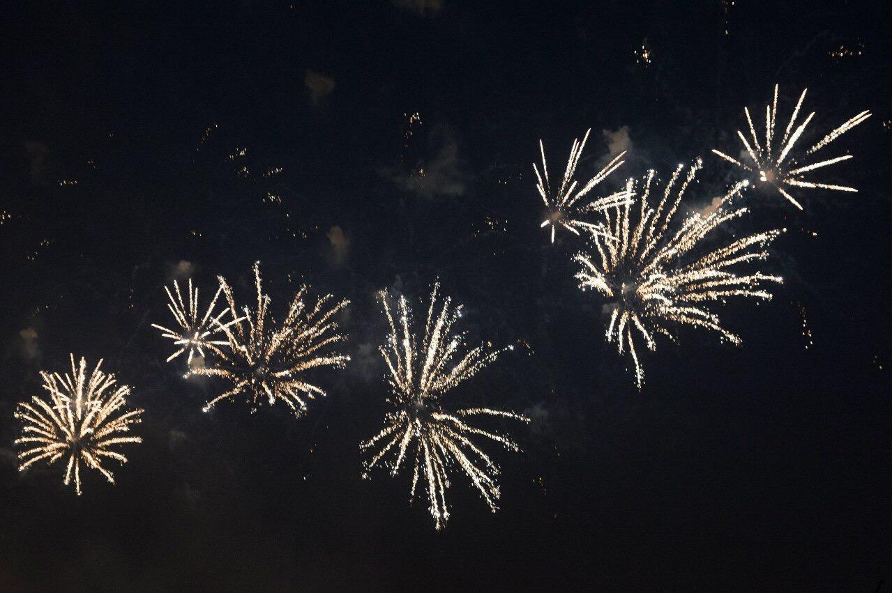 Новогодние фейерверки запустят на 36 площадках