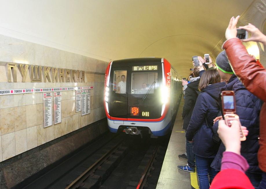 Поезда на фиолетовой ветке метро заменят в ближайшие два года