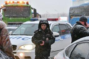На севере Москвы рейсовый автобус врезался в фонарный столб