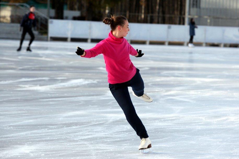 В Олимпийской деревне построят крытый каток с искусственным льдом