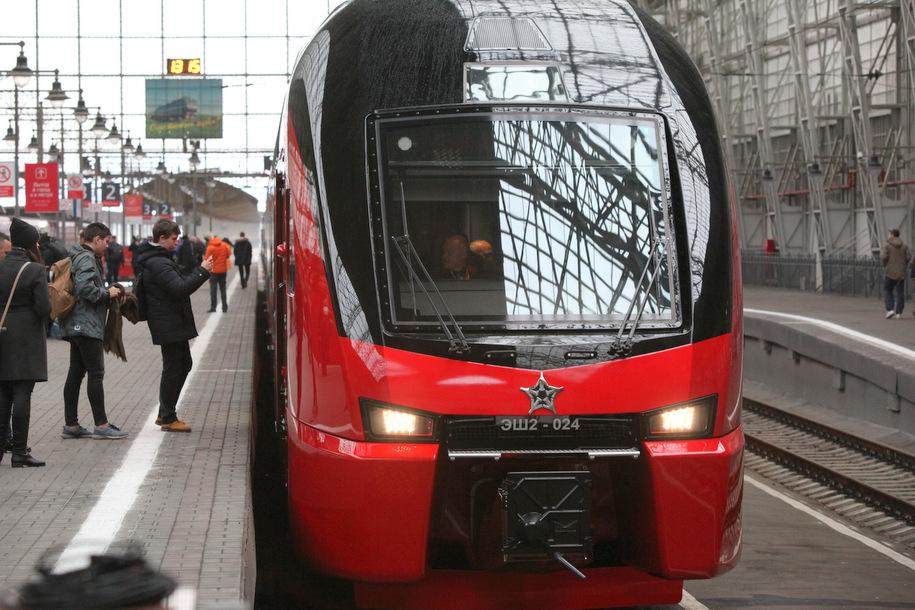 Более 50 новых локомотивов закупят для МЖД до конца года