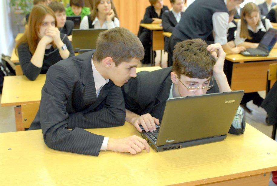 Мэр Москвы призвал полицию более тщательно обеспечивать безопасность в школах