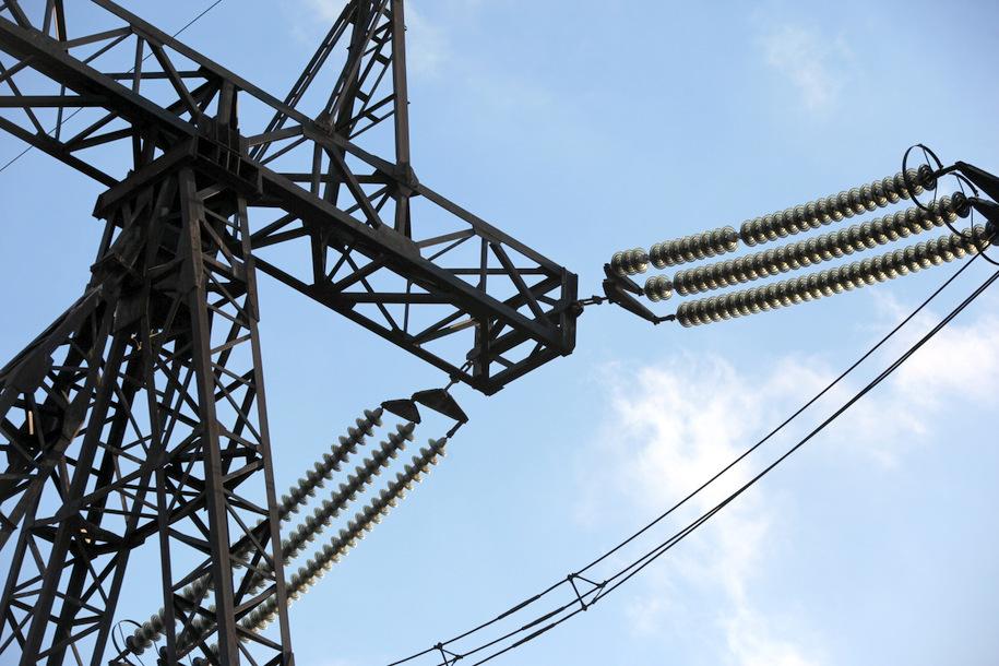 Линию электропередач «Троицкая-Внуково» реконструируют