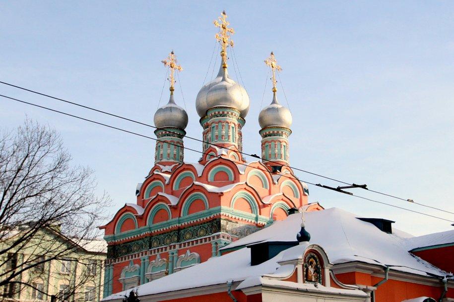 Православные верующие отмечают праздник Покрова Божией Матери