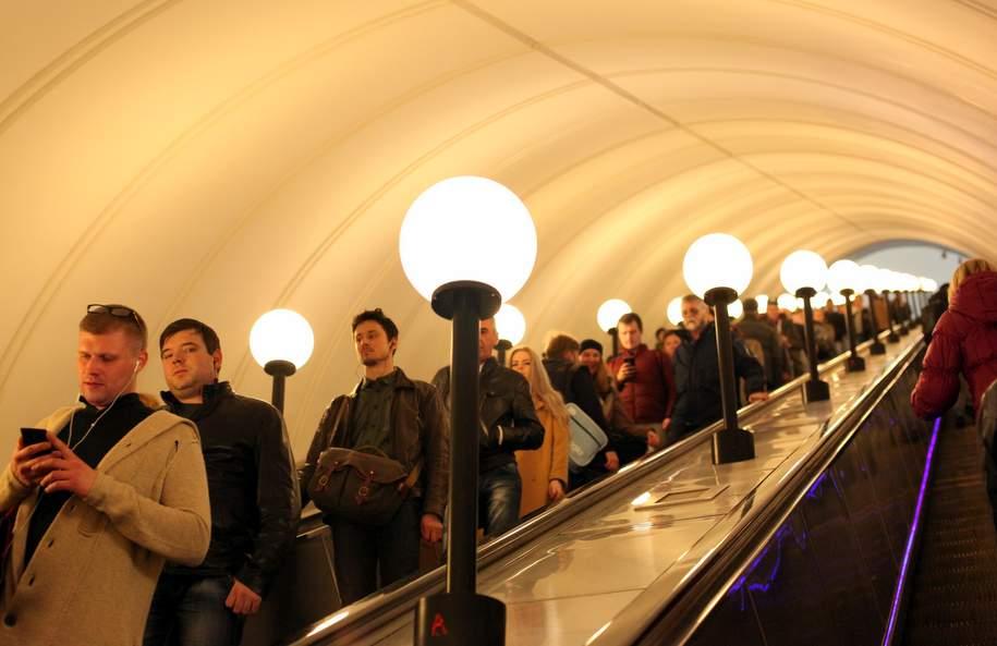На станции метро «Тверская» закрыли один эскалатор