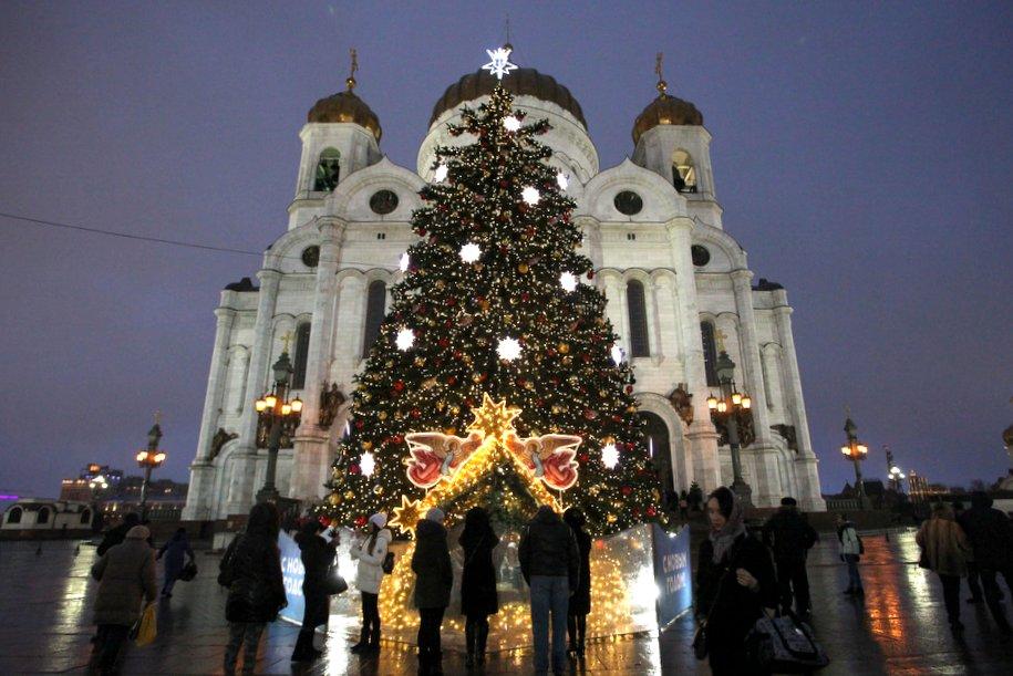 Рождественские богослужения в Москве посетили около 600 тысяч человек