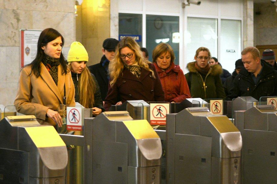 На всех станциях метро появятся турникеты с бесконтактной оплатой прохода