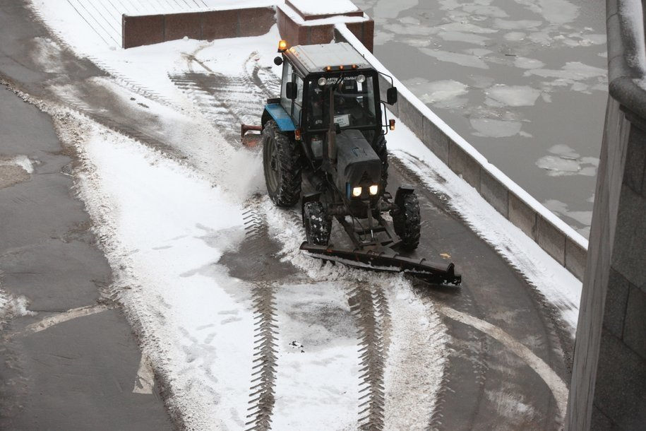 К уборке снега в Москве привлечено более 8 тысяч единиц техники