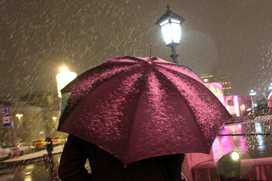 Снег и сильный ветер ожидаются в Москве 7-8 января