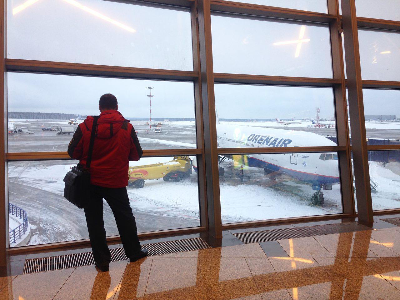 В столичных аэропортах задержано более 40 рейсов