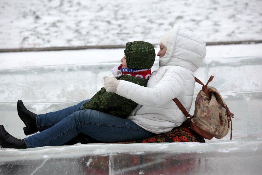 В Москве прошел турнир по снежному каякингу