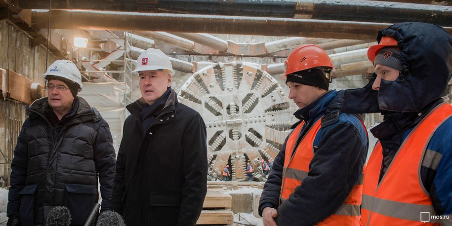 Мэр осмотрел ход строительства станции «Юго-Восточная»