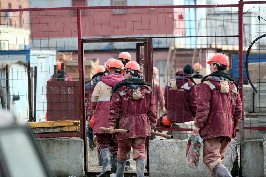 Более 400 тыс. человек занято в строительной отрасли