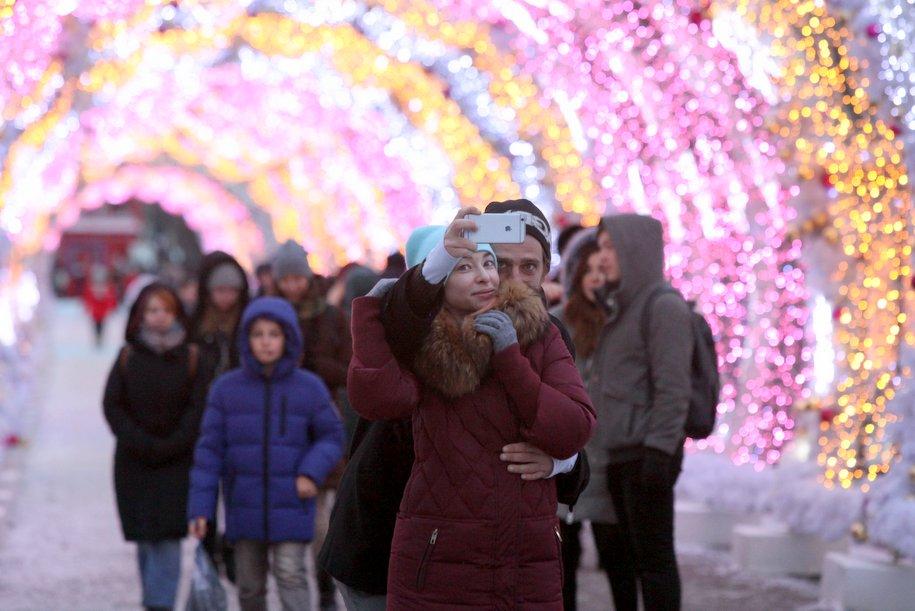 В Москве включат праздничную подсветку ко Дню всех влюбленных