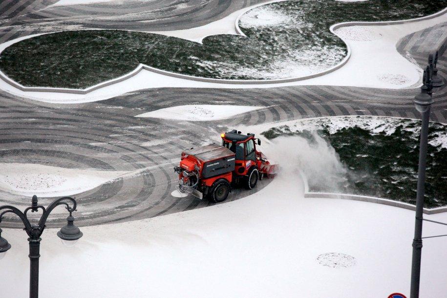 МЧС предупреждает о сильном снегопаде и гололедице утром 18 февраля