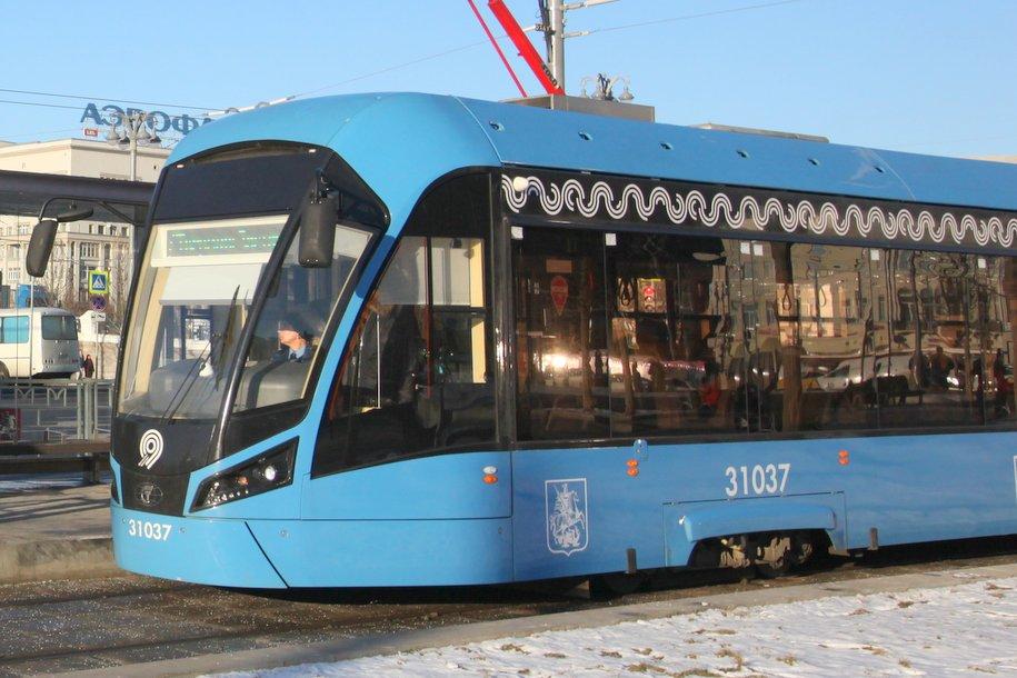 Спецтехника Мосгортранса очистила более 400 км трамвайных путей от снега