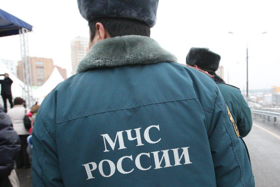 Спасатели МЧС на западе столицы вытащили трех человек из Москвы-реки