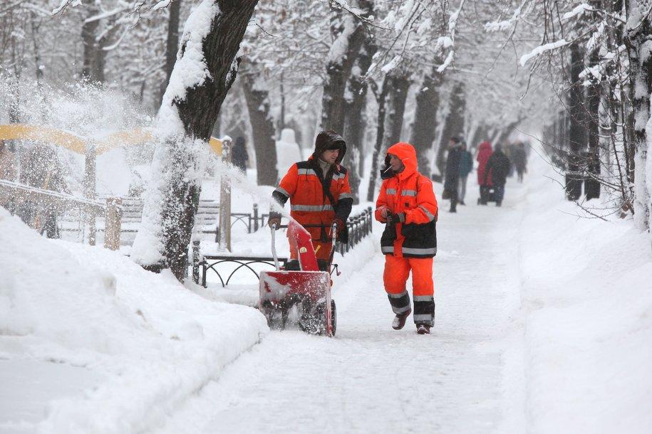 Свыше 1 млн кубометров снега вывезли сулиц столицы засутки