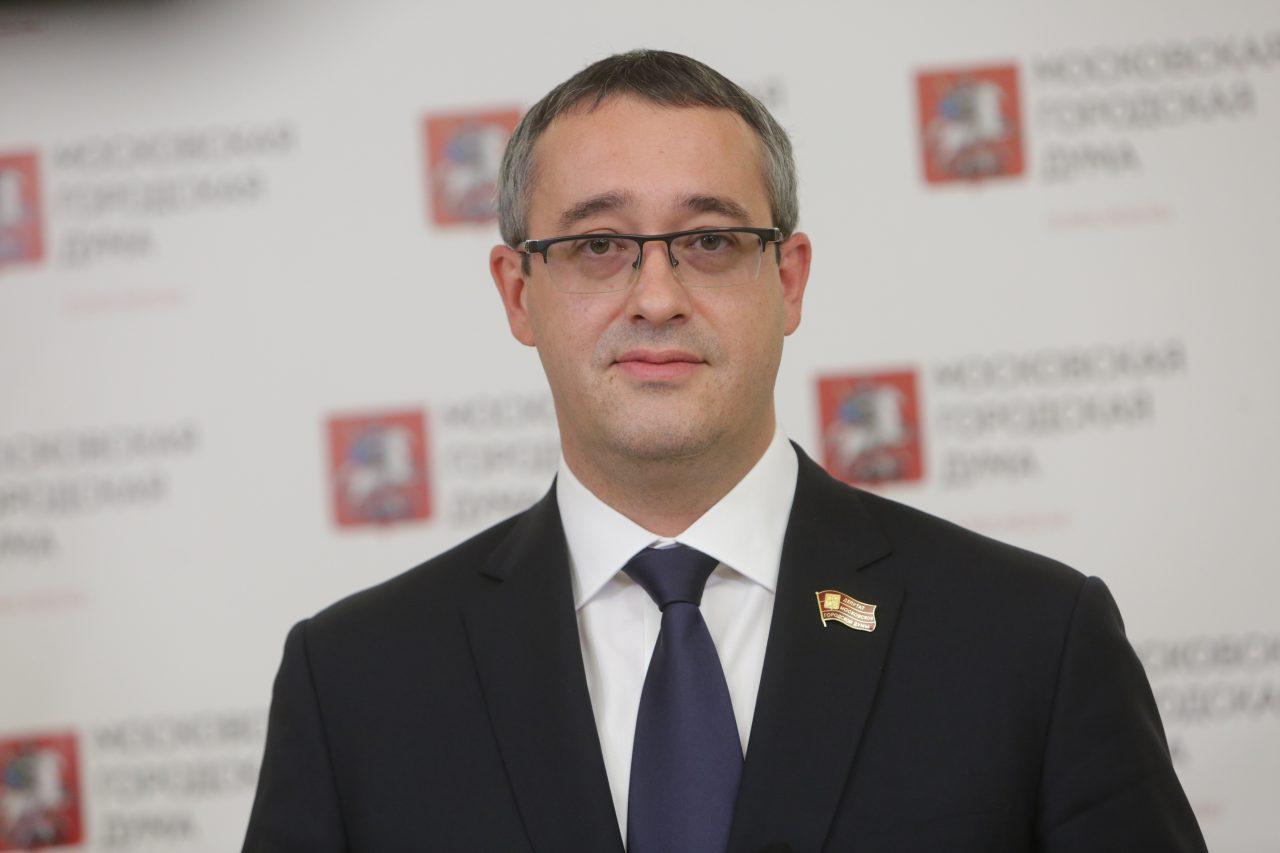 Алексей Шапошников поздравил москвичей с Днём защитника Отечества