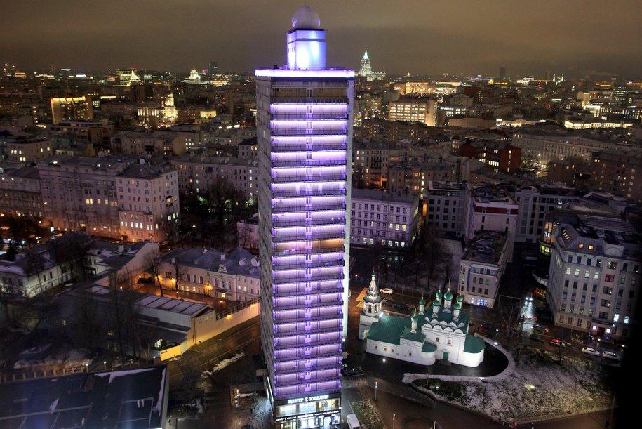 Более 100 домов в центре Москвы украсит праздничная подсветка 23 февраля