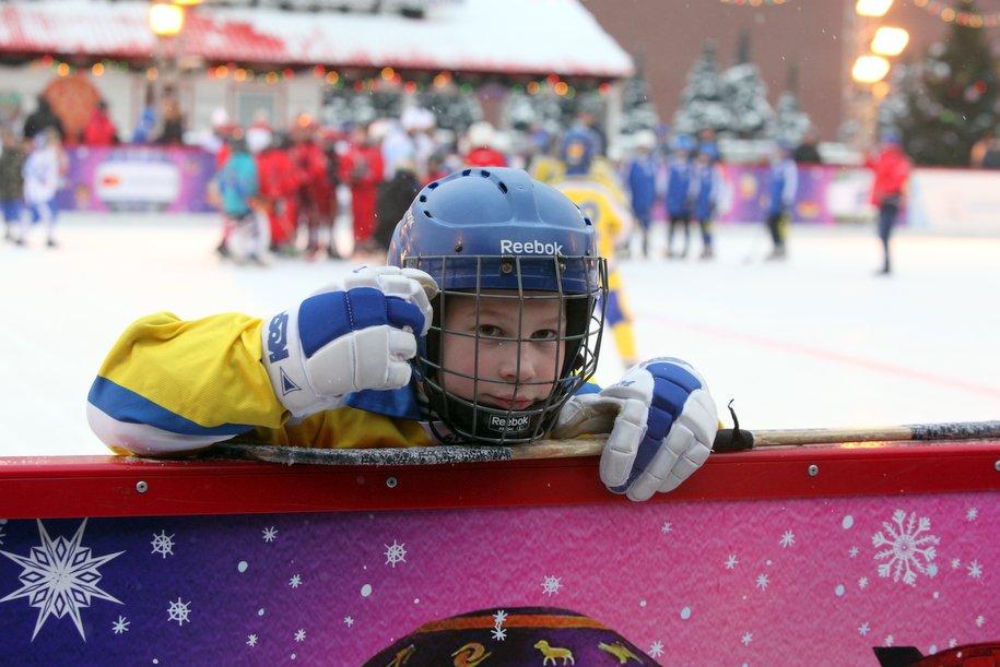 На Красной площади открылся турнир по русскому хоккею