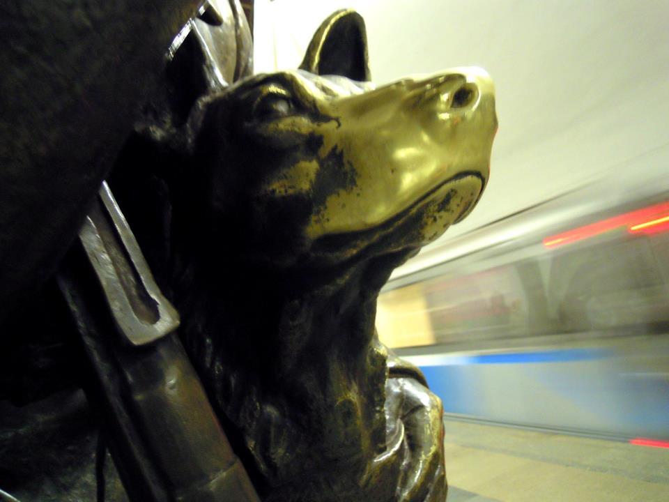 На станции метро «Площадь Революции» отреставрируют бронзовые скульптуры