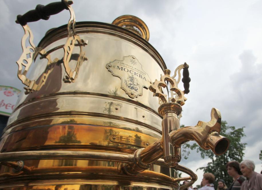 Более 400 литров чая раздали пассажирам у станций метро «Выхино» и «Кузьминки»