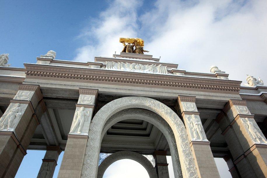 Мэр подписал распоряжение об установке памятника погибшим на войне работникам ВСХВ
