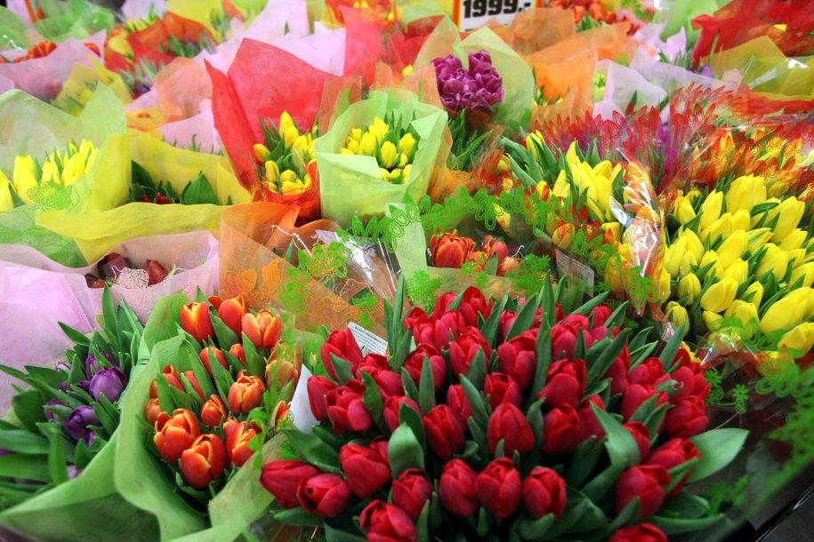 Названа средняя стоимость букета цветов на 8 Марта