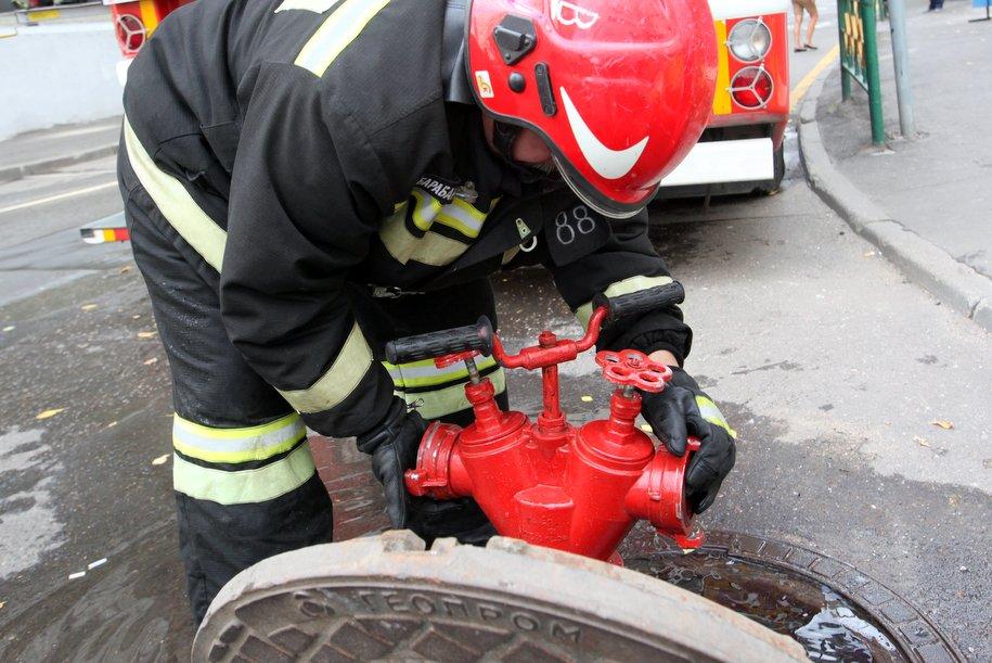 В Марьино эвакуировали школу из-за пожара