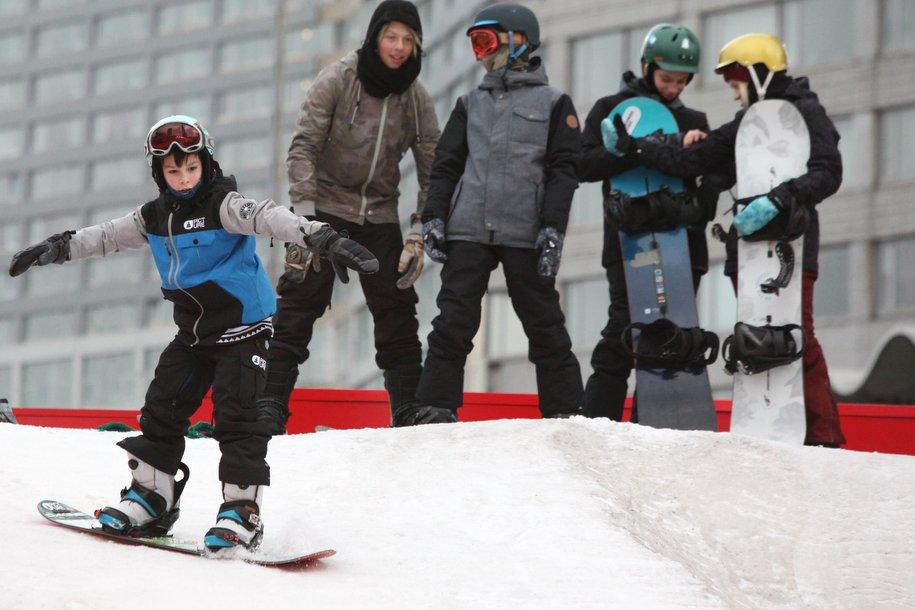 В Москве впервые пройдут международные соревнования по сноуборд-кроссу