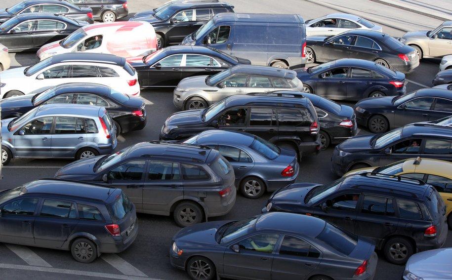 Пробки в Москве достигли восьми баллов