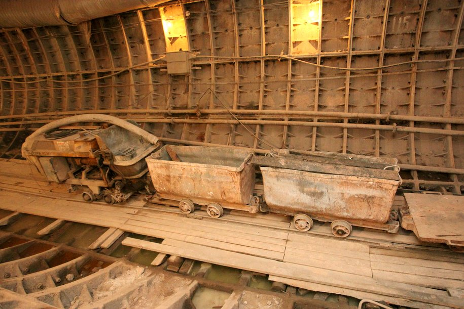 Почти 8 км линий метро построят в Москве до конца года