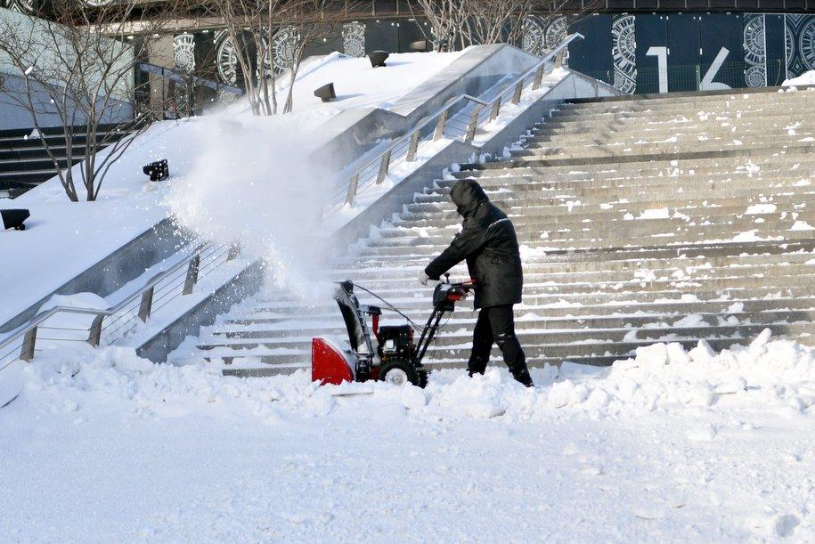 Свыше 1 млн кубов снега ежедневно утилизируется в Москве