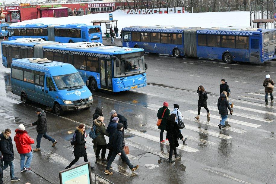 Мосгортранс выделил два автобуса пострадавшим при пожаре в Коньково