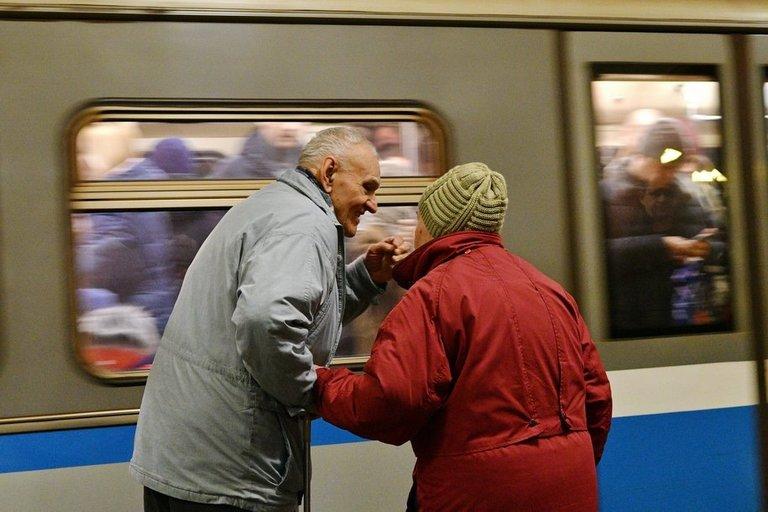 На «синей» ветке метро произошел сбой в движении поездов