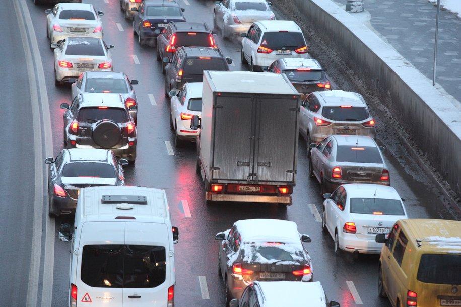Загруженность столичных дорог оценивается в 5 баллов