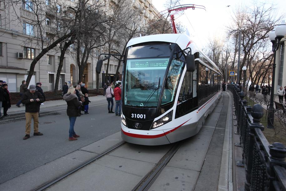 Во время парада трамваев изменится движение транспорта