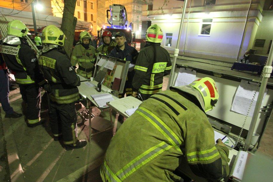 В результате обрушения стены в здании в центре Москвы никто не пострадал