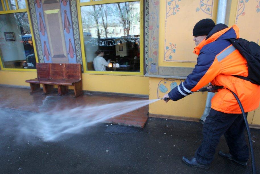 Коммунальные службы завершат генеральную уборку столицы к 1 мая